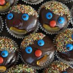 cupcakes with decorated faces